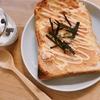 朝ご飯:ピリッと旨辛、めんたいトースト☆大人向け朝ご飯の時の息子の朝ご飯