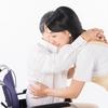 片麻痺患者の立ち上がり誘導|腋窩介助は逆効果!?