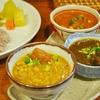初台の「初台スパイス食堂和魂印才たんどーる」で鶏ひき肉とナンコツのキーマカレー、豚の黒々カレー、和ッサムカレー。