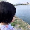 ・下の娘のセルフねんねと、上の娘のシュガーハイ。