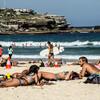 混雑した夏の海で安全&快適にサーフィンするための方法