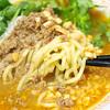 汁なしカレー担々麺の汁ありチーズトッピングとカレーワンタンスープ
