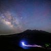 【天体撮影記 第130夜】 熊本県   坂梨展望台から阿蘇五岳の根子岳の頭上に浮かぶ夏の天の川