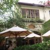 欧米人に人気 ハノイの自然あふれるヴィラ風お洒落カフェ「Xofa cafe」フードもドリンクも充実