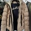 (ZARA)のジャケット(3,500バーツ)の方がカッコいいなぁ。