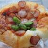 金町の「とらやベーカリー」でトマトソース、オニオン、コロコロチーズ、アプリコットアマンド、こしあんとクリームチーズ、ハムチーズドライトマト、クリームパン。