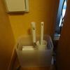 カーペットクリーナー(コロコロ)の収納 ~ダイソーの積み重ねボックスは我が家で大活躍中~