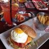 バンクーバーで味わえる、アメリカ生まれの美味しいハンバーガー「Red Robin」