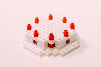 【ダイソーのプチブロックがすごい】新郎新婦ウェディングケーキをつくろう