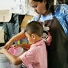 ランチ行ったら、タイの子供がコップを洗ってました。