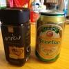 ラオスのインスタントコーヒーと缶ビール。
