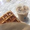 #77 ブルーボトルコーヒー カフェラテ(アイス)、リエージュワッフル