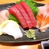 回転寿司『まぐろ家まる』