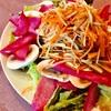 山盛りサラダとヒレ肉ステーキのパワーランチ