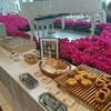 ホテルエルセラーン大阪の朝食 お花がいっぱいのかわいいレストランです