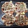 給料日前の夕飯は、ホットプレートで「お好み焼き」高校の時からのレシピ