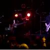 世を忍ぶ仮の姿の神バンドのライブ映像が激ヤバ