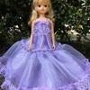 薄紫のフワフワドレス
