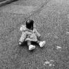 なぜ夫は子供を一人で放置して平気なのか。