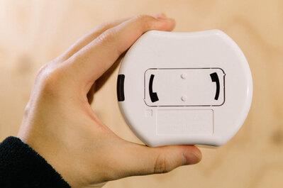 リモコンで間接照明に切り替えられると、夜のくつろぎタイムがワンランク上がりますよ。