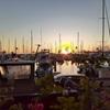 【食べ歩記】夕焼けのヨット・ハーバーを前にチャート・ハウス・ワイキキでステーキ・ププで一杯