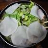 餃子の皮とレタスのしゃぶしゃぶ鍋