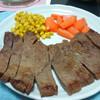 今日の晩飯 ステーキを作ってみた(おろし玉ネギソースも)