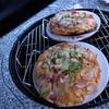 家庭で本格ピザを焼こう!WEBER(ウェーバー)ジャンボジョーグリルで1枚1400円のピザストーンを使ってピザを焼いてみた!