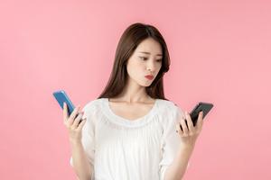 【スマホ初心者向け】iPhoneとAndroidは何が違う?選ぶならどっち?
