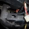 2号機 バッテリーケース固定用グロメット装着