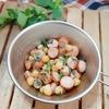 シェラカップ×業スーで簡単キャンプおつまみ★ひよこ豆とウインナーのハーブ炒め