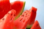 いつもより美味しく食べる!スイカを食べやすく美しくカットする簡単な8つの方法