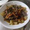 幸運な病のレシピ( 1642 )朝:牛肉と茎ワカメの煮漬け、タラ・鮭・鳥焼き、味噌汁(桂むき修行)、マユの食事