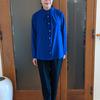 大人の女性に向いた上質なスタンドカラーブラウス|1枚でも羽織りでも着られる一生ものアイテム【PR】