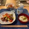 カツオとアボカドとトマトのせごはん、冬の野菜のスープ、キムチ