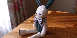 【手芸生活】リネンのうさぎの縫いぐるみ完成!孫の反応は。
