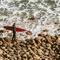 危険!サーフィンの入水時や上がる時は上げ潮に注意。岩場や堤防でのケガ危機一髪動画まとめ。