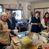プロジェクト835    Eltern kochen für die neue Toilette