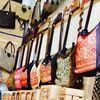 モン族刺繍のバッグは店長のお気に入り♬