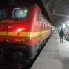 コルカタ発バラナシ行きの列車へ