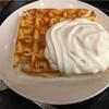 休日の朝、スタバでサンドイッチとワッフルの朝ごはん。専業主婦の一人時間は美味しいものと共に。