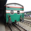日本の満員電車とバングラデシュの満員電車