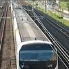 原色で出場したE257系電車