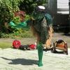 相撲(すもう)=素舞(すまい) 「すまひ」は「素舞」で力強い「しこ」(醜足)を踏むことに本来の意味がある。邪を祓う舞踏。
