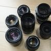 旅行用のカメラを買おうと思ってるんですよ。軽くて画質のいいやつ。