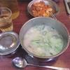 キムチとご飯を入れて食べるべし。『神仙ソルロンタン』@明洞のソルロンタン。