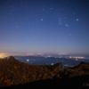 【天体撮影記 第144夜】 大分県 九重連山 月明かりに照らされた大船山の御池の紅葉と星々