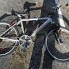 自転車の漕ぐペダルらへんを外しました。