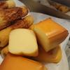 燻製チーズとフランスパンを一緒に焼いたらめちゃめちゃ旨かった