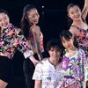 女子に囲まれた宇野昌磨、表情の激変ぶりにファン反響「見事なビフォーアフターです」